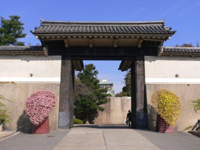 Sakura-mon gate 「桜門」photo by