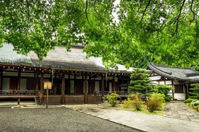 saiho-ji main hall