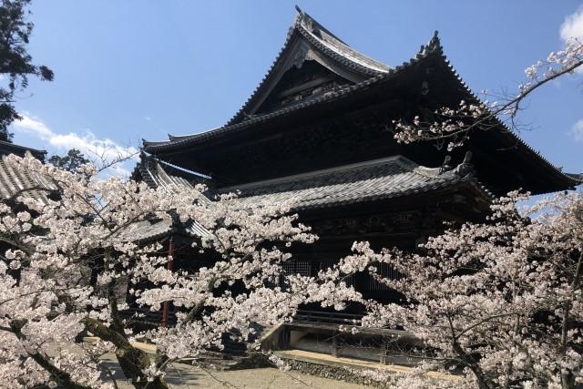 nagoro-ji main hall