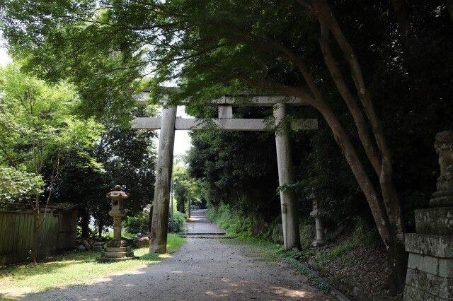 iwashimizu hachimangu torii gate